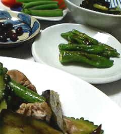 夏野菜炒めとししとうの塩コショウ
